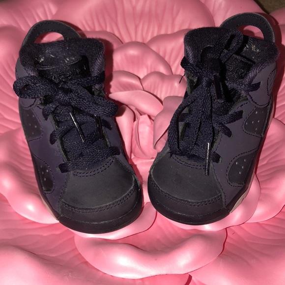 Toddler girls Jordan Retro size 5